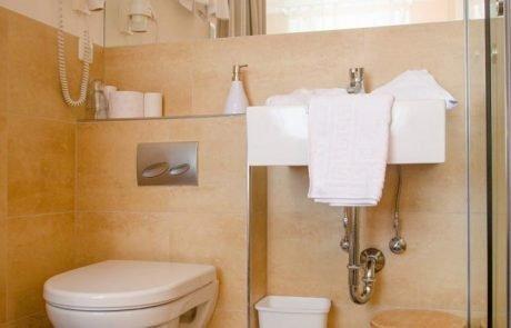 Pension Ria Einzelzimmer-Doppelzimmer Badezimmer