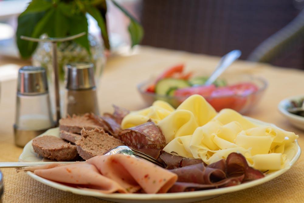 Pension Ria Frühhstück kalte Platte